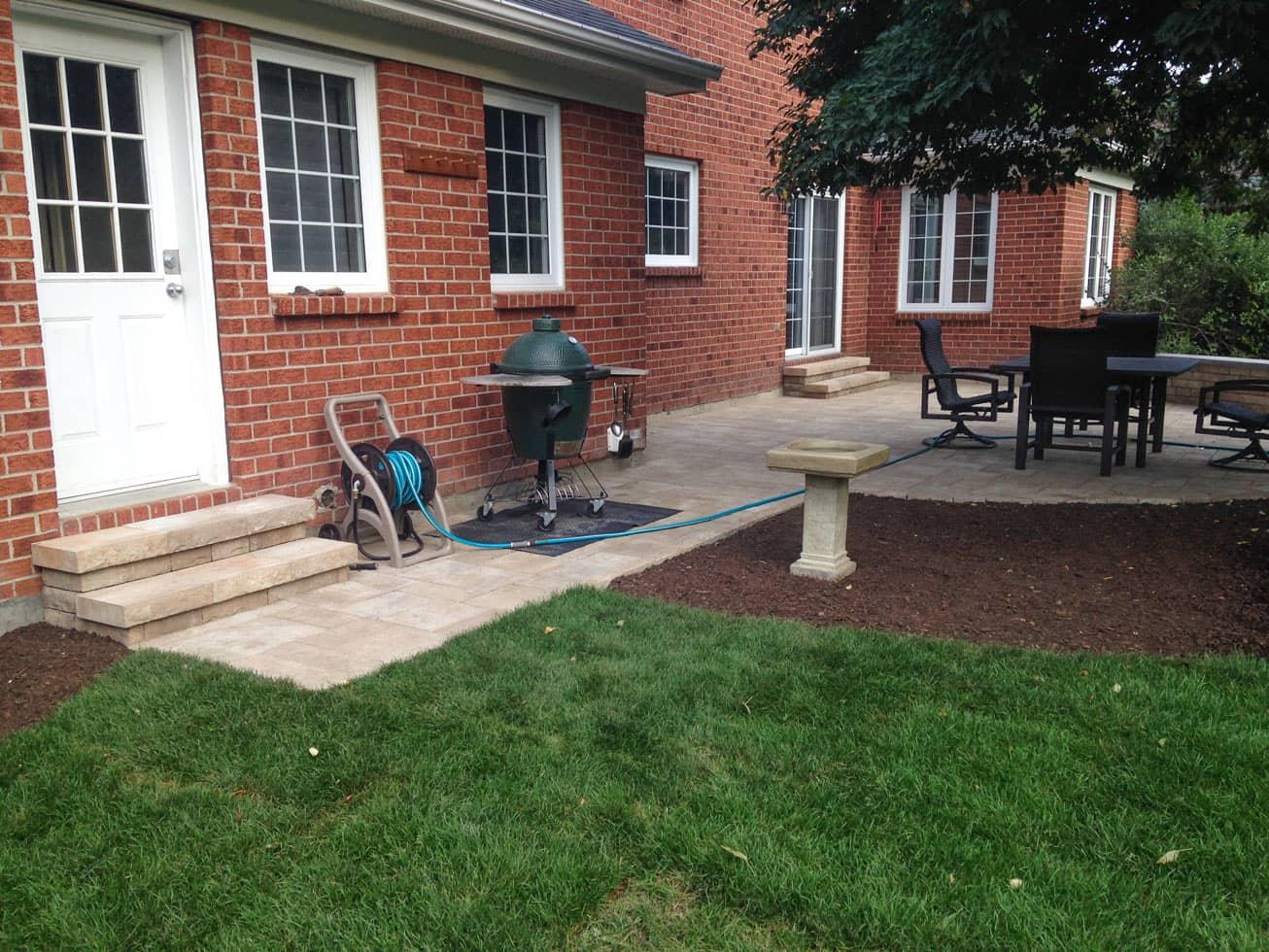 garden with interlock landscaping