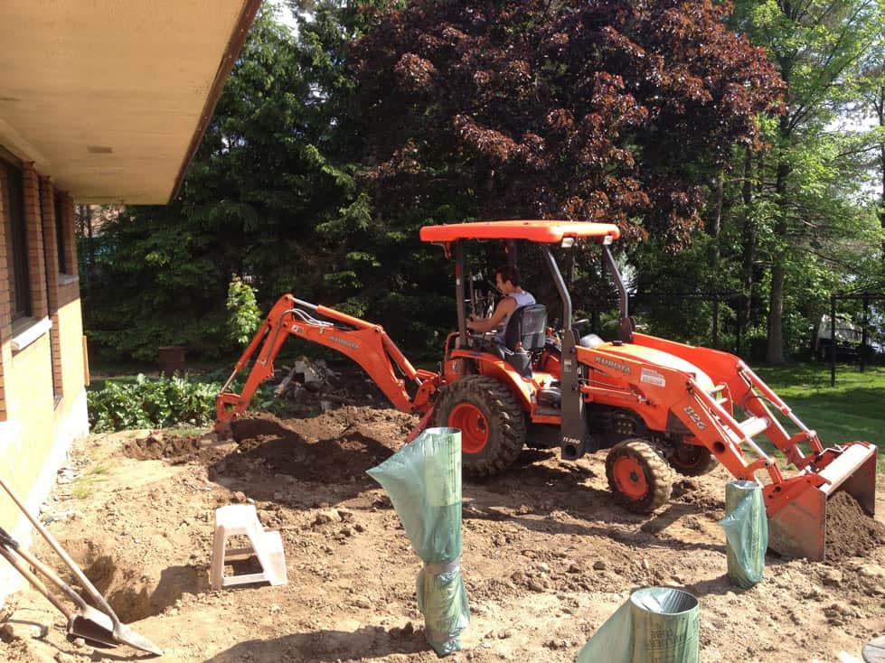 backyard landscaping construction